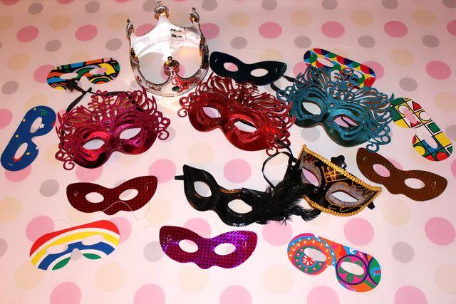 kraków, fotobudkowe gadżety, maski, korona
