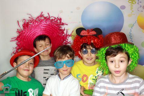 Zdjęcie-z-fotobudki-Urodziny-dzieci