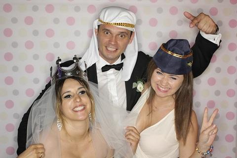 fotobudka na wesele kraków, korzkiew, para młoda