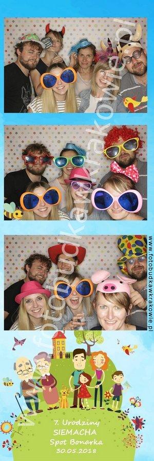 fotobudka na imprezie plenerowej, kolrowe zdjęcia